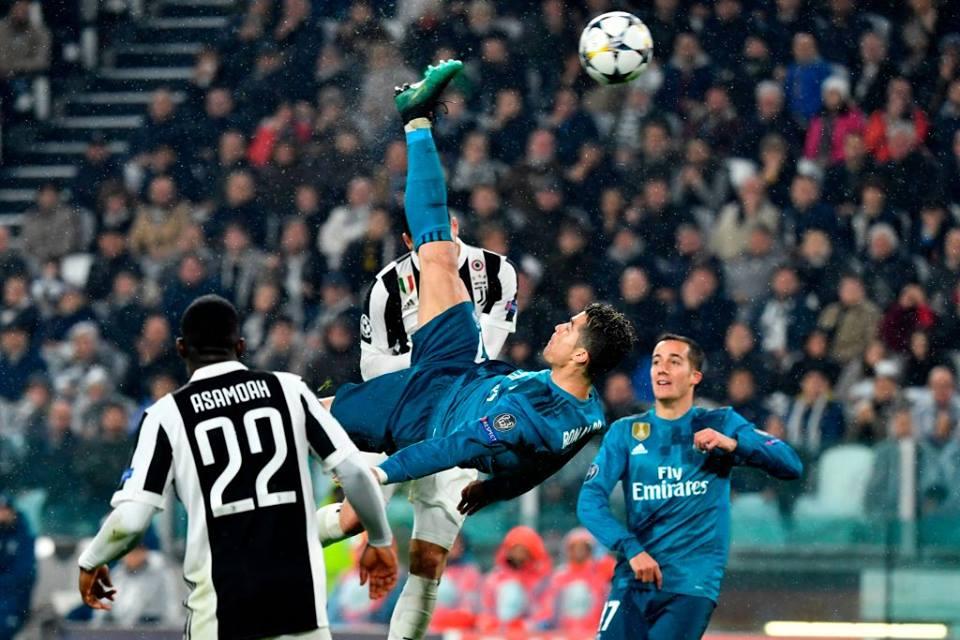Fly Emirates wallpaper of Ronaldo